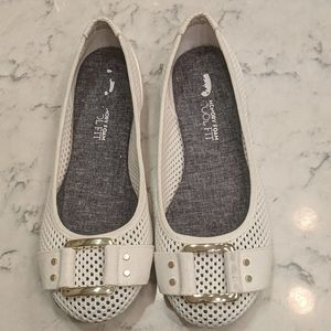 Nearly New! White Perforated Flats Dr. Scholl's